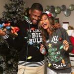 pareja disfrutando de la navidad